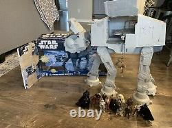 Lot with Figures Star Wars Imperial Walker AT AT 2010 Legacy Vintage Collection
