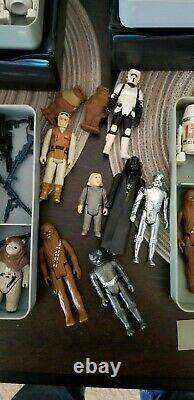 Vintage star wars lot figures and carrying cases